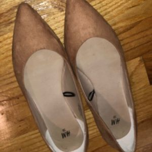 H&M Tan Flats. Size 38. Barely worn.